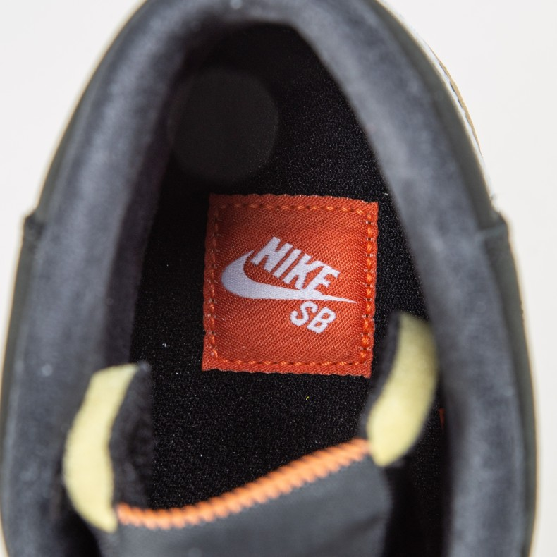 super popular 5e243 e0e01 Nike SB Zoom Blazer Mid ISO  Orange Label . (Black White-Safety ...