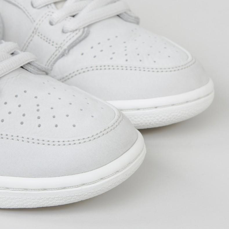 Nike SB Zoom Dunk Low Pro Deconstructed. (Light Bone Light Bone-Summit White -Khaki) 1849ff663