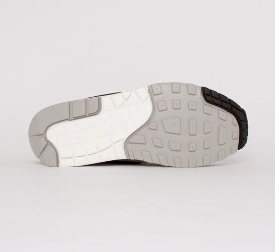 newest 579ed ccd78 Nike Air Max 1 Premium. (Granite Deep Smoke-Sail-Black)