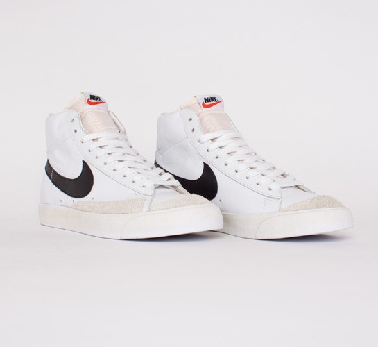 newest 1cd40 0c9dd Nike Blazer Mid  77 Premium Vintage (White Black-Team Orange) - Consortium.