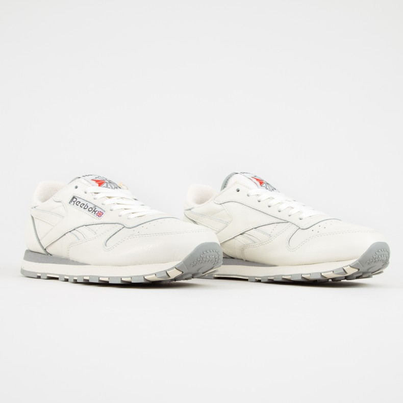 Reebok Classic Leather 1983 TV (ChalkPaper WhiteCarbon)