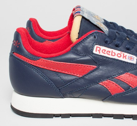 reebok classic leather vintage inspired collegiate navy excellent red sandtrap consortium. Black Bedroom Furniture Sets. Home Design Ideas